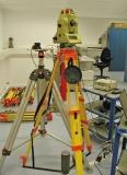Nedo N533 dřevěný stativ se šrouby a rozsahem 105 - 170 cm, fotografie 1/1