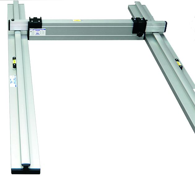 Nivelo BASIC set pro podlaháře sestávající z 1 nastavitelné latě a 2 stahovacích kolejnic