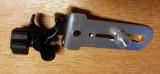 Držák BSS-01 pro připevnění liniových laserů na rozpěrnou tyč nebo kovové a dřevěné profily kruhového průřezu, fotografie 5/8
