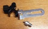 Držák BSS-01 pro připevnění liniových laserů na rozpěrnou tyč nebo kovové a dřevěné profily kruhového průřezu, fotografie 11/8